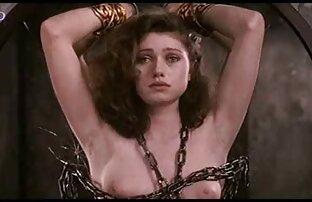 Nachdem er die Hände von Frauen mit breiten Schultern gebunden hatte, reife deutsche frauen nackt war er ihr Ehemann.