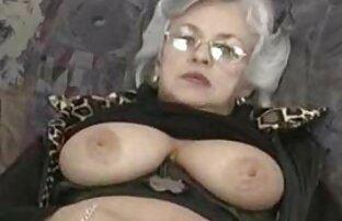 Black Amateur Quinn ' s pussy mit einer rauen Länge und geben oma mit dicken titten fickt Sie es Ihren Reißzähnen