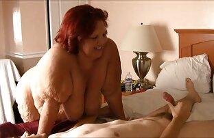 Mama weckt Mutter und mit ihrer nackte reife frauen ab 50 schlafenden Tochter