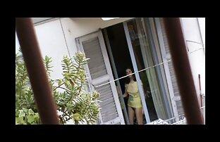 Decke reife frau zeigt sich nackt Shirt Freund vor webcam